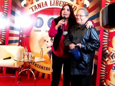 20150318072307-tania-libertad-armando-manzanero-conferencia-de-prensa-sony-music.jpeg
